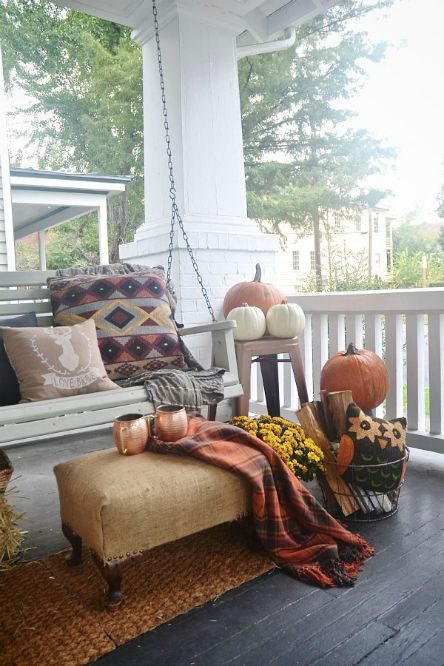 Thanksgiving - Cozy front porch - Schlage