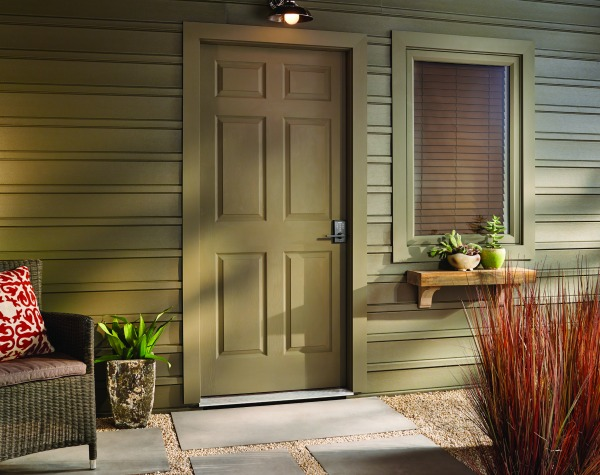 6 Mistakes to Avoid When Adding Curb Appeal to Your Home | Schlage