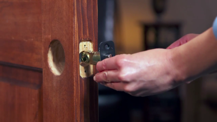 How to properly install door knobs and levers