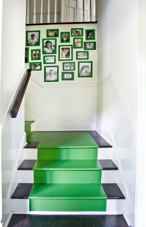 Summer Entryway - Painted Staircase