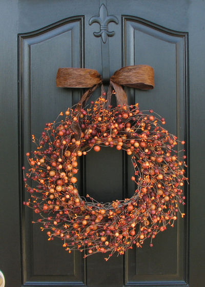 Fall door decor - Berry wreath - Schlage