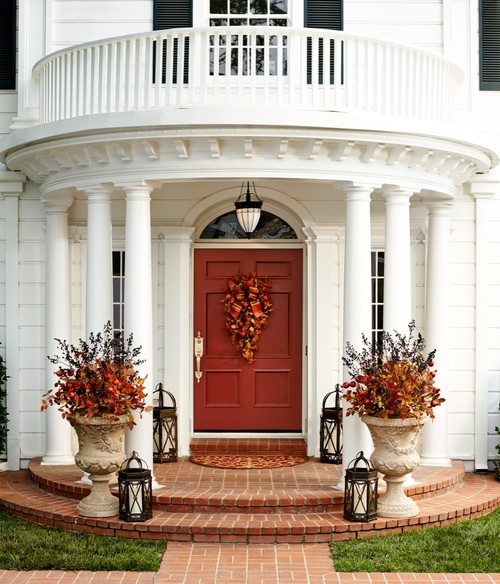 Fall Front Door: 10 Inviting Front Door Displays For Fall
