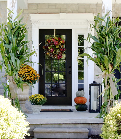 Fall decor - Front porch - Schlage
