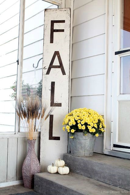 Fall color palettes - Black and white decor - Schlage