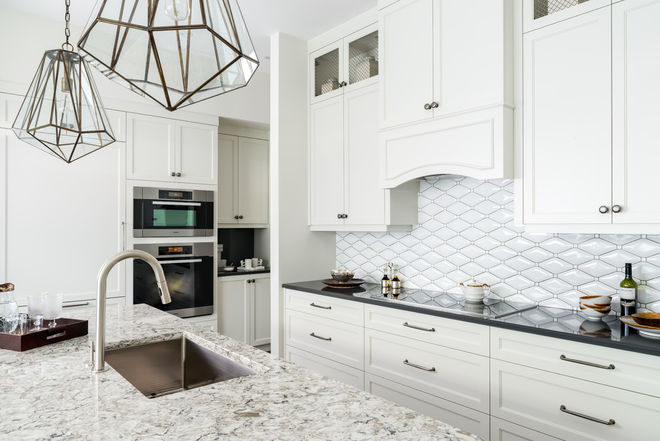 Mixed materials - Kitchen - Quartz countertops