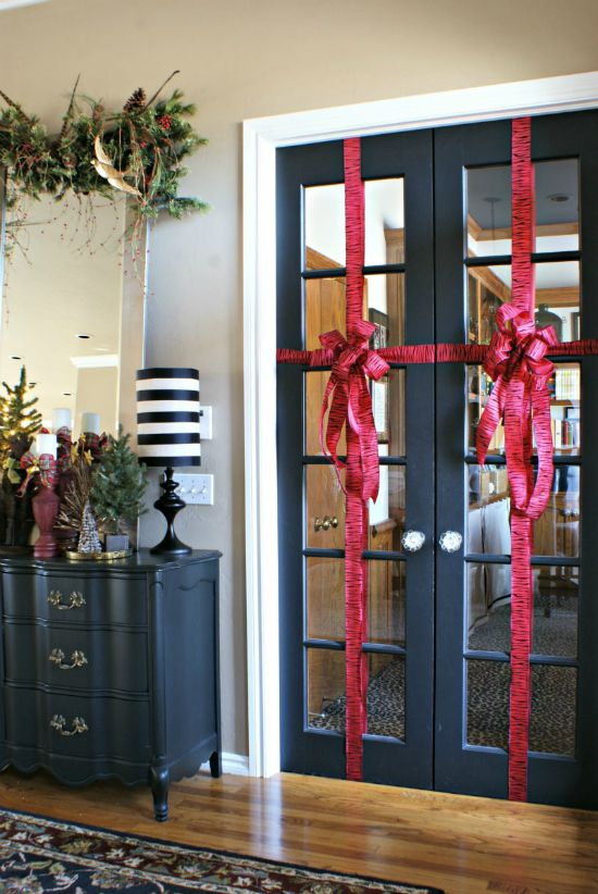 Holiday - Glass Door - Ribbon