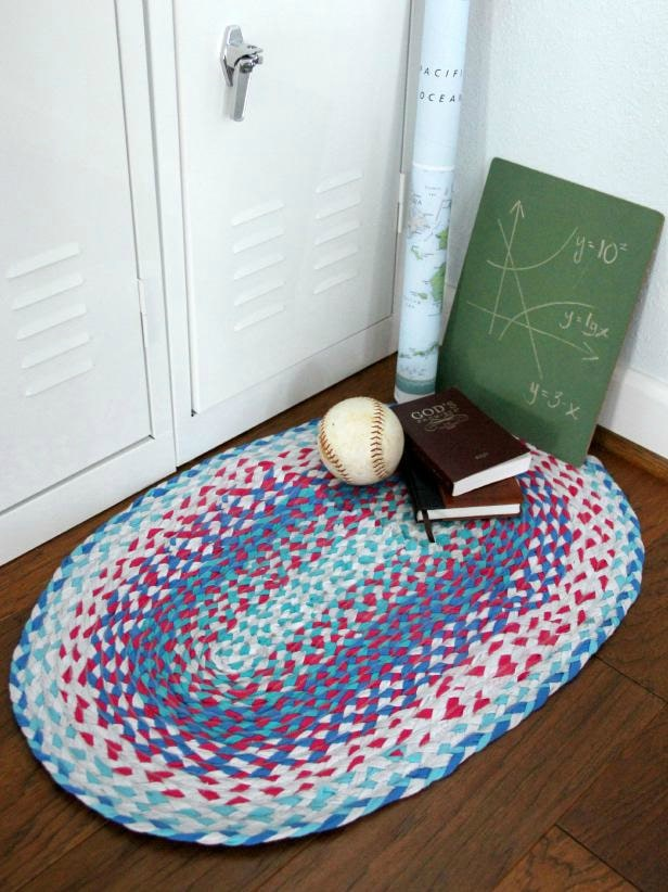DIY braided tshirt rug
