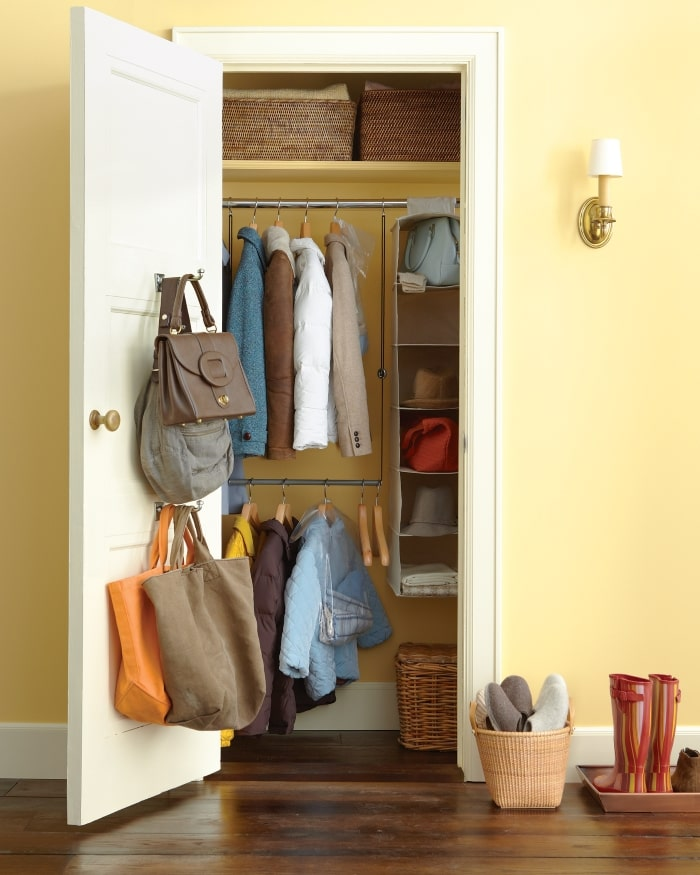 Entryway closet with hanging closet shelves