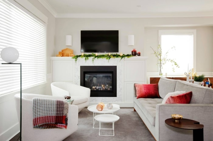 Living room with simple holiday decor.