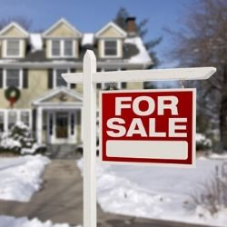 4 house staging tips for selling your house in the winter.