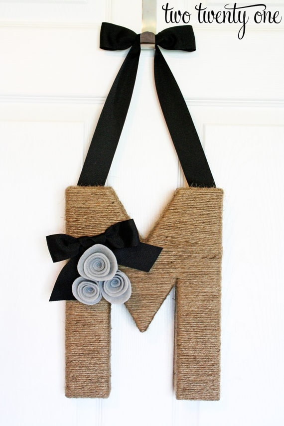 DIY jute wrapped monogram wreath