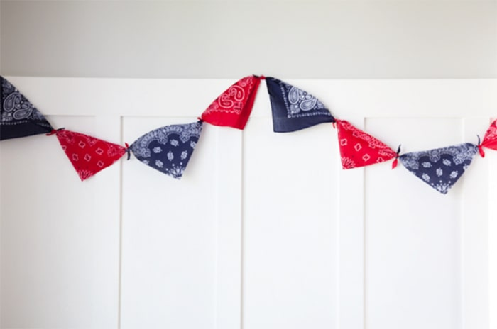 4th of July bandanna decor.
