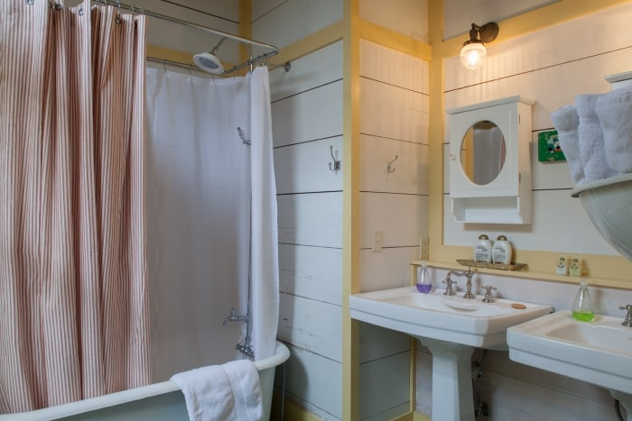 Beach cottage bathroom with yellow trim.