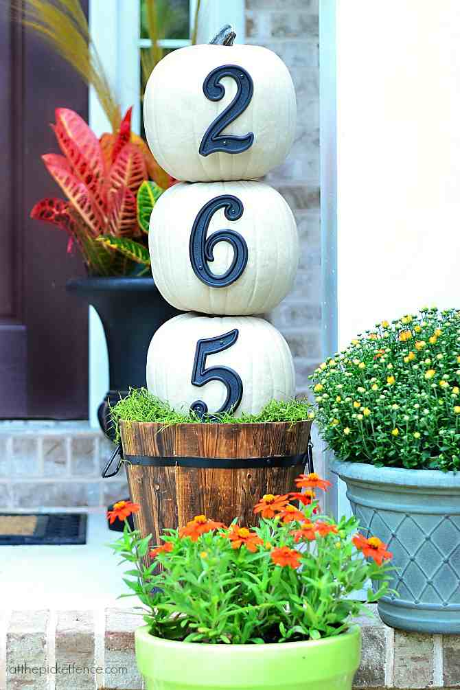 House number pumpkin topiary.