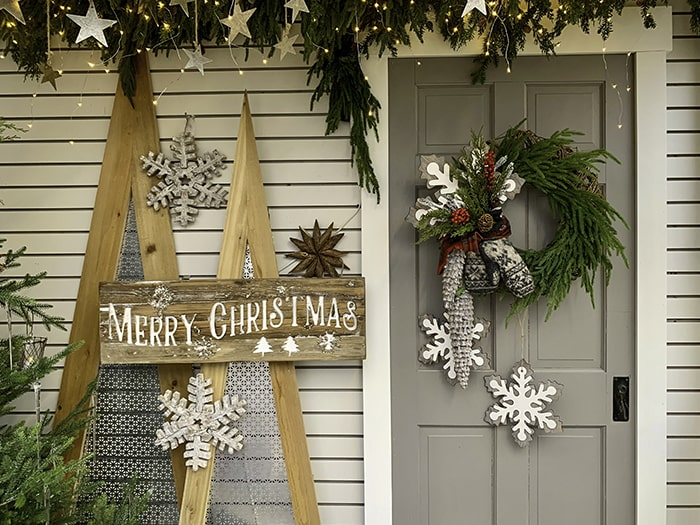Country Christmas front porch.
