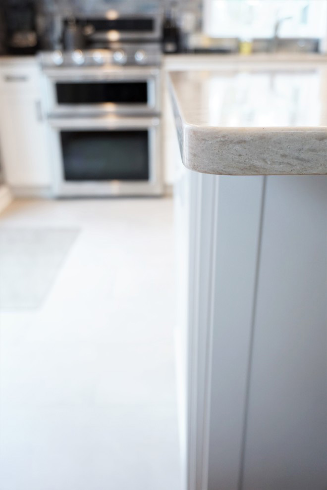Kitchen countertop with rounded corner