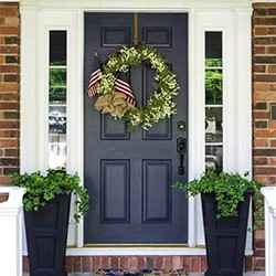 5 Front Porch Decor Ideas To Celebrate The 4th Of July
