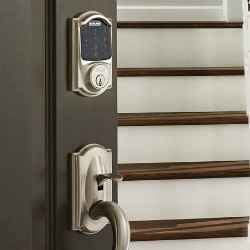 10 things the Schlage Connect™ lock can do with a Samsung SmartThings hub