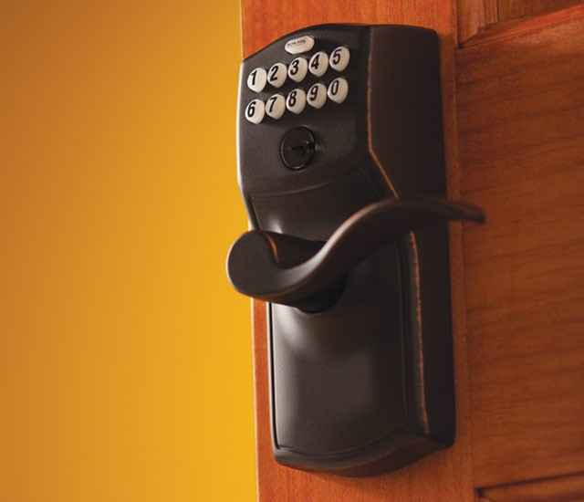Connected Keypad - Smart lock - Schlage