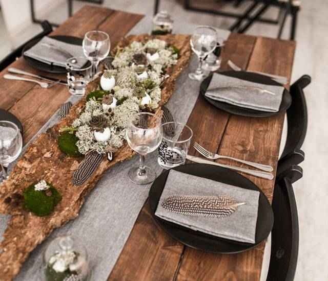 Tablescape with black accessories.